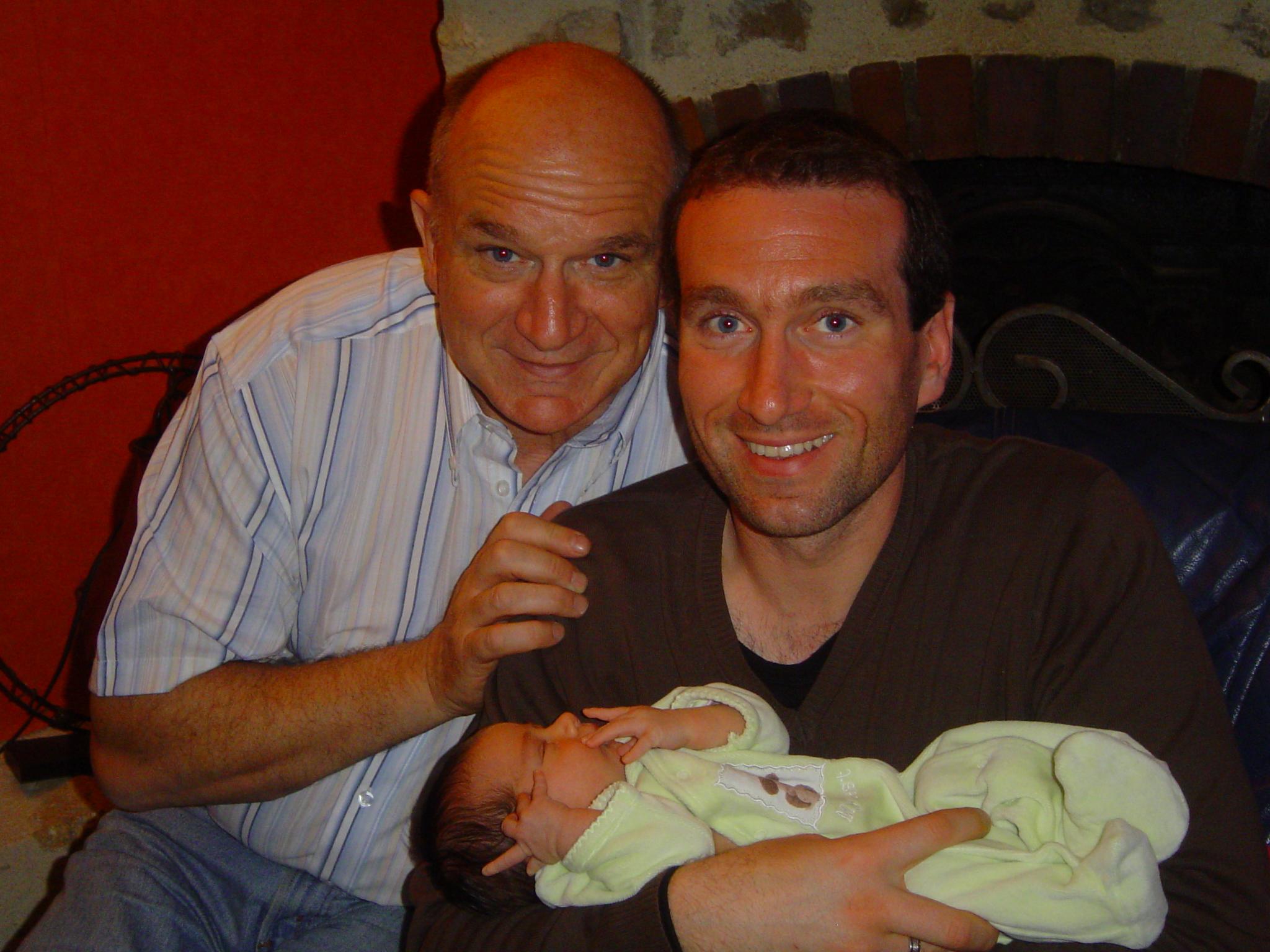 avec mon papi alain et mon papa